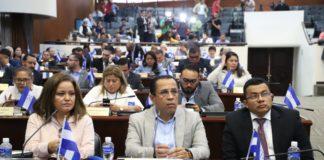 Los directivos Ninfa Arias, Dagoberto Rodríguez y Eduin Romero